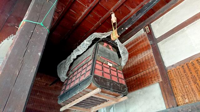 本堂内江戸時代の籠